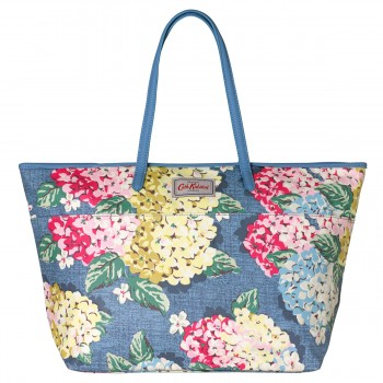 555944 Hydrangea Large Trimmed Tote